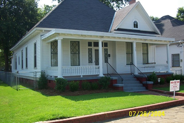 King_parsonage_front
